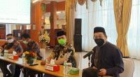 Direktur Keuangan PT Semen Padang Tubagus Muhammad Dharury (paling kanan) ketika menerima Tim Komite Nasional Ekonomi Keuangan  Syariah (KNEKS) mengunjungi PT Semen Padang, Jumat (5/6/2021)