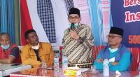 Iriadi Dt. Tumanggung dan Agus Syahdeman serta partai pengusung saat memberikan keterangan pers di posko Selayo