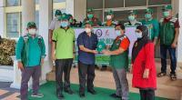 Rektor Unand Prof. Yuliandri melepas tim medis, Minggu (17/1/2021) di Pascasarjana Kedokteran Universitas Andalas, Jati, Padang.