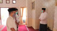 Wako Solok, H. Zul Elfian memimpin salat Idul Adha di Musala rumah dinas