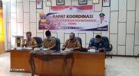 Sekda Solsel Yulian Efi Membuka rapat koordinasi FKDM di Aula Kantor Bupati setempat, Selasa