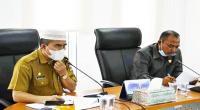 Rapat kerja anggota DPRD bersama Tim Anggaran Pemerintah Daerah (TAPD) kabupaten Dharmasraya dalam rangka refocusing dan realokasi APBD tahun 2021 untuk pemulihan ekonomi dampak covid.