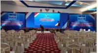 Suasana persiapan ruang untuk KLB Partai Demokrat di salah satu hotel yang ada di Sibolangit, Kabupaten Deli Serdang pada Kamis (4/3/2021) malam.