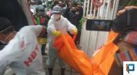 Evakuasi Jasad Nenek 75 Tahun di Kawasan Jalan Nipah, Padang