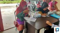 Calon PKD mendaftar di Kantor Panwas Pemilihan Kecamatan Mungka, Selasa (18/2).