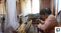 Proses pembuatan songket di Canduang Agam