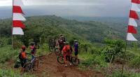 View indah di trek Gunung Talamau