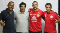 Flavio Beck Junior bersama Eduardo Almeida (calon pelatih Semen Padang FC), Weliansyah dan Hendra Susila.