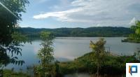 Danau Indah Parik yang terletak di Nagari Parit, Kecamatan Koto Balingka, Kabupaten Pasaman Barat